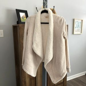 """Hollister Faux Sherpa """"Scarf"""" Sweater Size S"""
